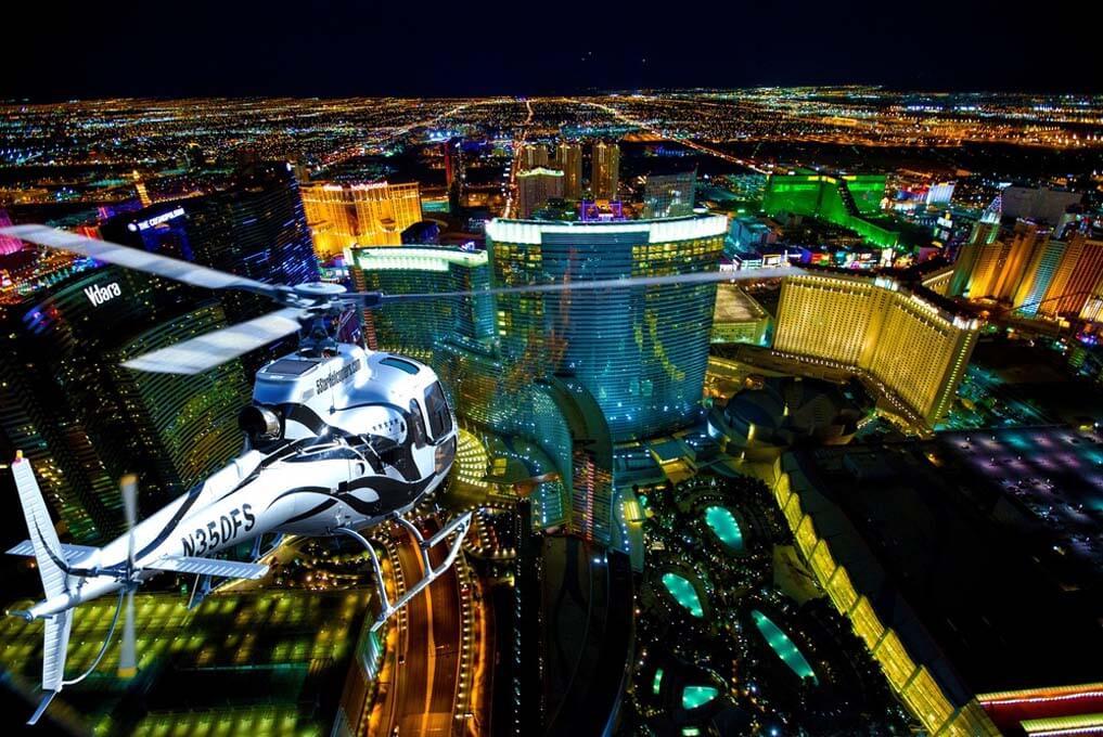 «Огни Лас-Вегас-Стрип» - Вечерний полет на вертолете над центральной улицей Лас-Вегаса (превью)